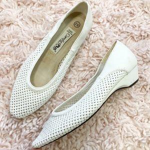 Vintage White Woven-Pattern Kitten Heel Shoes
